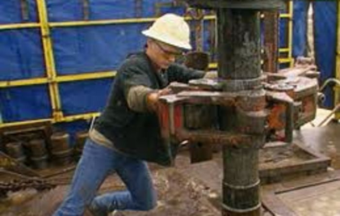Majors march into shale
