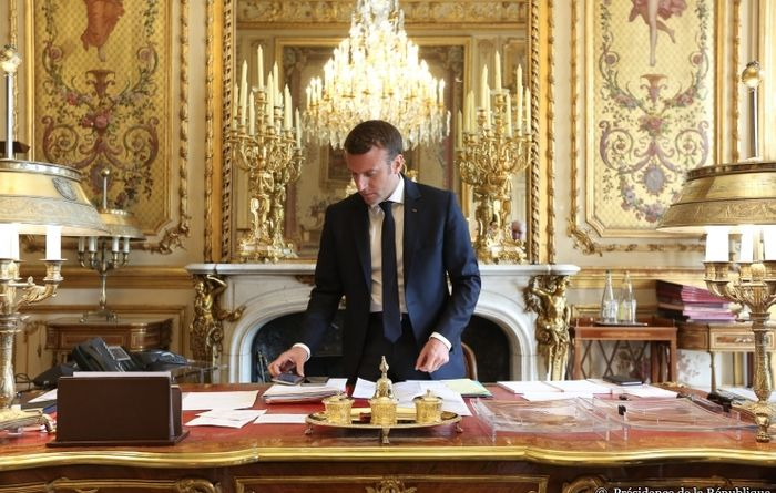 Macron announces French energy transition