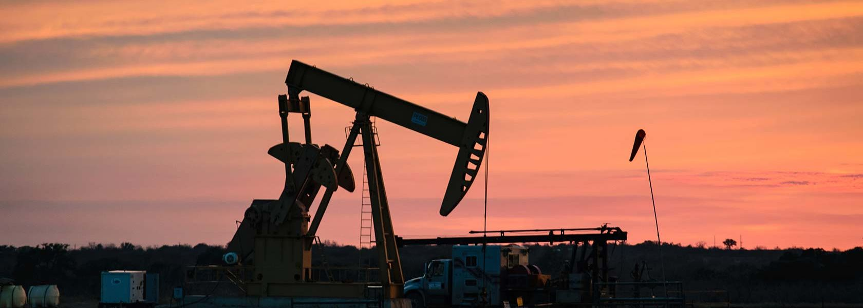 S&P revises oil price outlook down by US$10