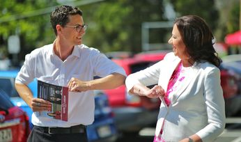 Palaszczuk rules with majority