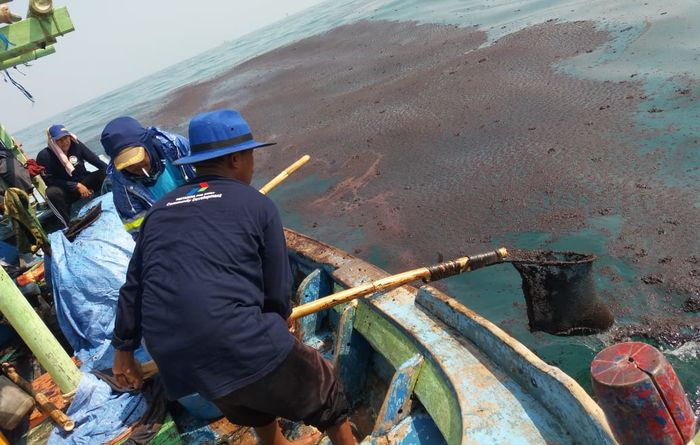 Indonesian oil spill investigation now underway