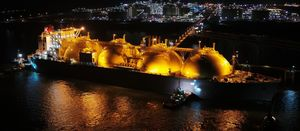 Japan LNG and crude imports now in free fall