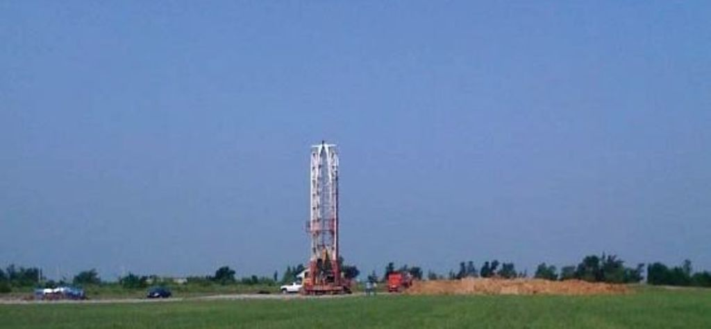 Land rigs drive recovery