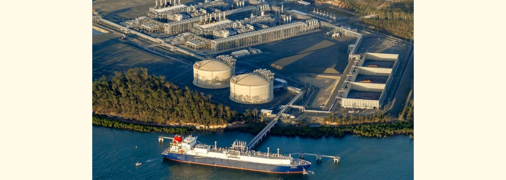 APLNG marks major milestone with 500th LNG cargo